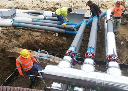 Instalación de agua helada en la obra del ITSE, Instituto Técnico Superior Especializado
